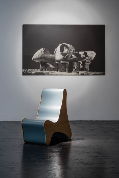 Correalist Rocker, 1942 och fotografi av Endless House, 1959